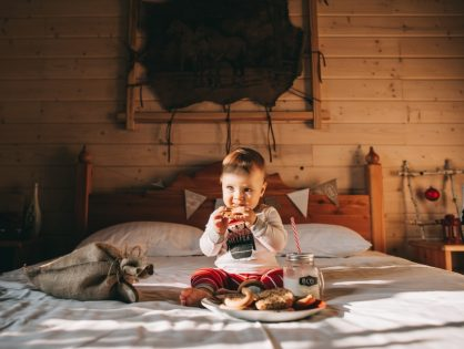 Why You Shouldn't Let Your Kids Eat In Bed
